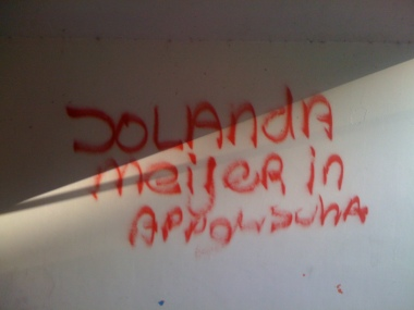 - jolanda1